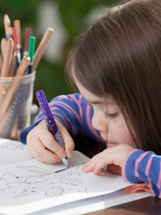 Ce beneficii are colorarea pentru copii?
