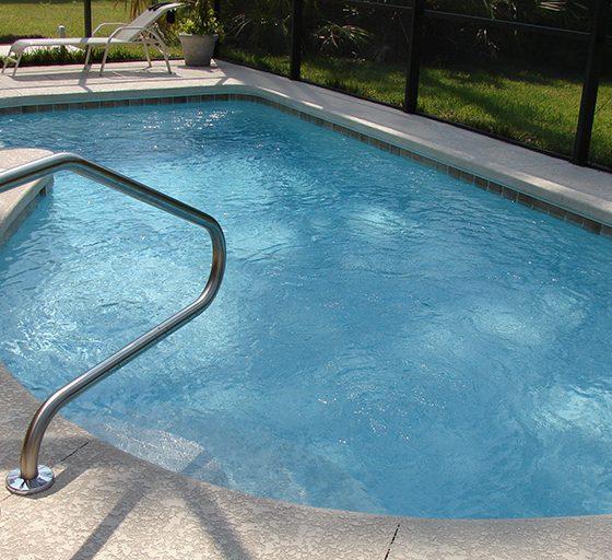 Tipuri de clor si alternative la clor pentru tratarea apei din piscina