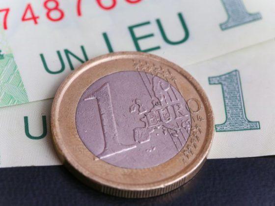 Care sunt cele mai bune moduri de a economisi la agentiile de schimb valutar?